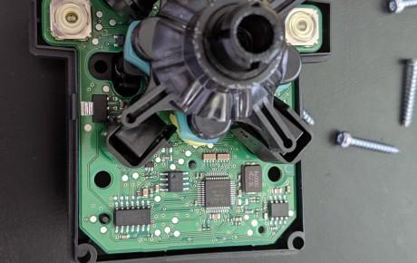 コマンドコントローラー修理 ベンツ W204 ナビ